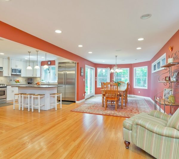 Sprawling Mountainside Custom Colonial/Cape For Sale!