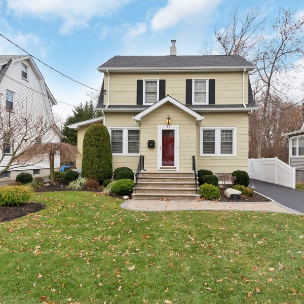 Pristine Cranford Colonial For Sale!